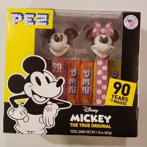 Mickey and Miney Mouse pez set, new in box